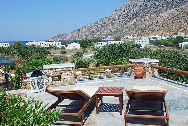 SIFNAIKA KONAKIA  HOTELS IN  Kamares Sifnos Cyclades islands