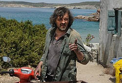 The story of the film is based on the book by Eric Buaset  Nikostratos  which tells of a boy from Greece who befriends a pelekan, about the boys relationship with his father who is a fisherman (Emir Kusturica) and about the heat of his first love . Very recently, filming Kusturica on the island of M...